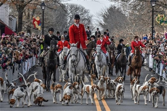 Christmas in Middleburg Hunt Parade
